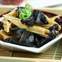 Hojas de Tofu Con Setas Negras
