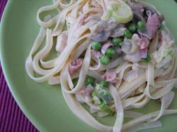 Fetuccini Com Frango e Legumes