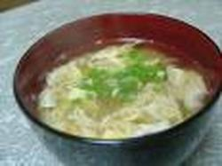 Kakitamajiru (sopa de Huevo)