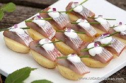 Chat Potatoes With Sour Cream And Pickled Herring