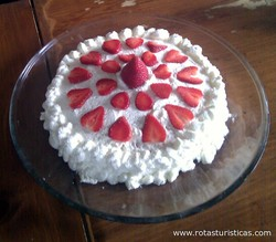 Strawberry Cream Cake (jordgubbstarta)
