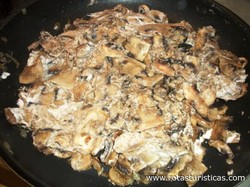 Mushrooms With Sour Cream