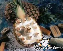 Ananá Con Crema de Bananas
