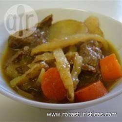 Sopa de Carne ao Curry